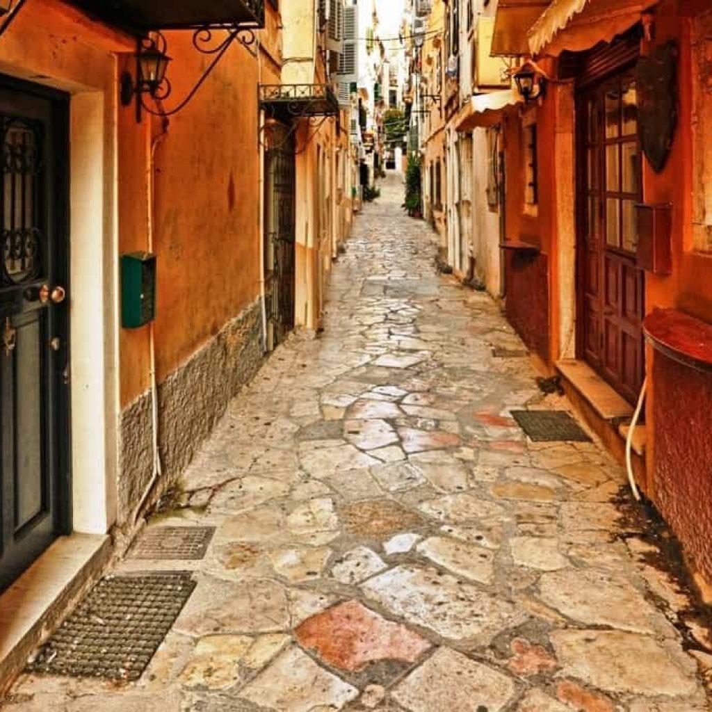 Wander in the Alleyways